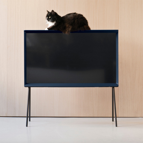 Serif-TV-by-Ronan-and-Erwan-Bouroullec-for-Samsung_dezeen_18